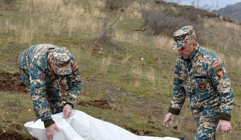 """Картинки по запросу """"«Նյութն անցնում է ոսկորի մեջ, «ուտում» այն, այրում ամեն հատված». FRANCE 24-ը ռեպորտաժ է պատրաստել ԼՂ-ում Ադրբեջանի կողմից ֆոսֆորային զինատեսակի կիրառումից տուժած զինվորների մասին"""""""